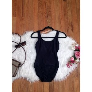 🌿 Vtg 90's Ribbed Black One Piece Swimsuit 🌿